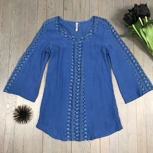 monoreno 3/4 Bell Sleeve Blue Lace Long Tunic Top